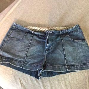 Woman's gap shorts